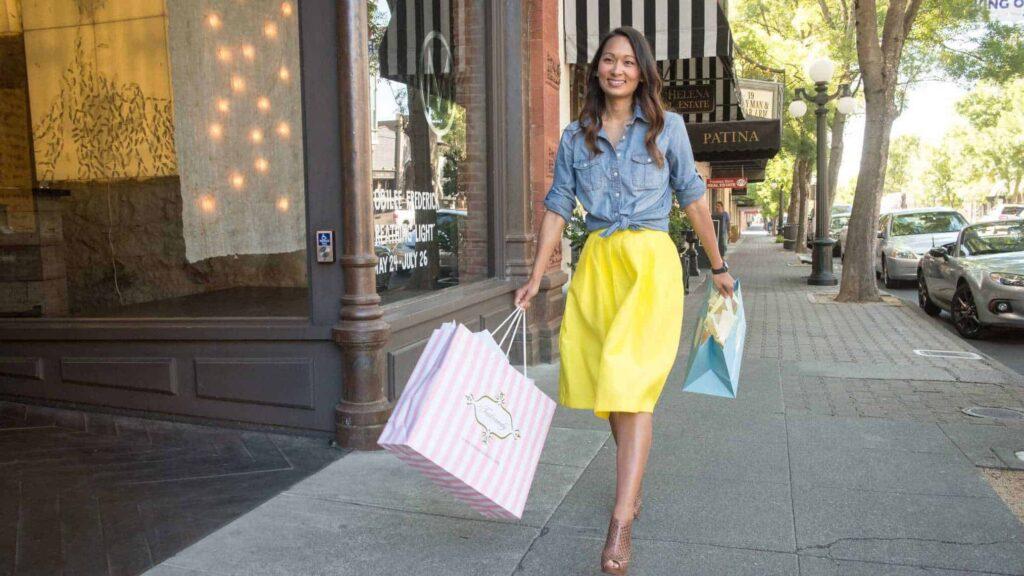 St Helena sidewalk sale shopping